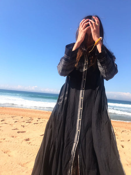 COTTON BUTTON-UP CAFTAN, BLACK - SAAKI