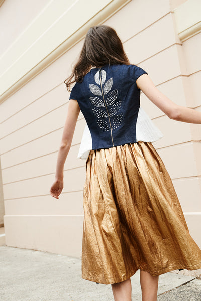 PLEATED SKIRT, GOLD LAMINATED