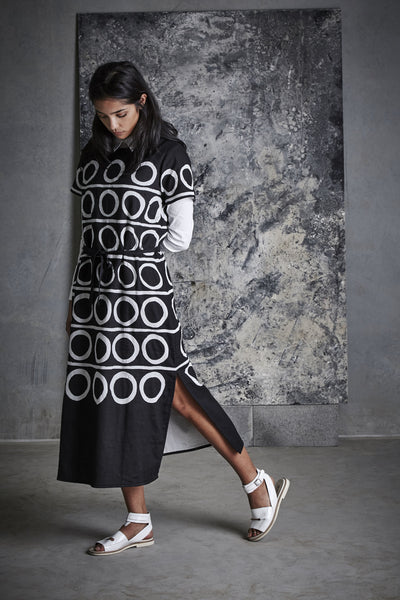 O CUTWORK CAFTAN DRESS, BLACK & WHITE - SAAKI