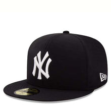 Load image into Gallery viewer, NEW ERA GORE-TEX 5950 NEW YORK YANKEE FITTED - 12120505 - Ateaze Canada