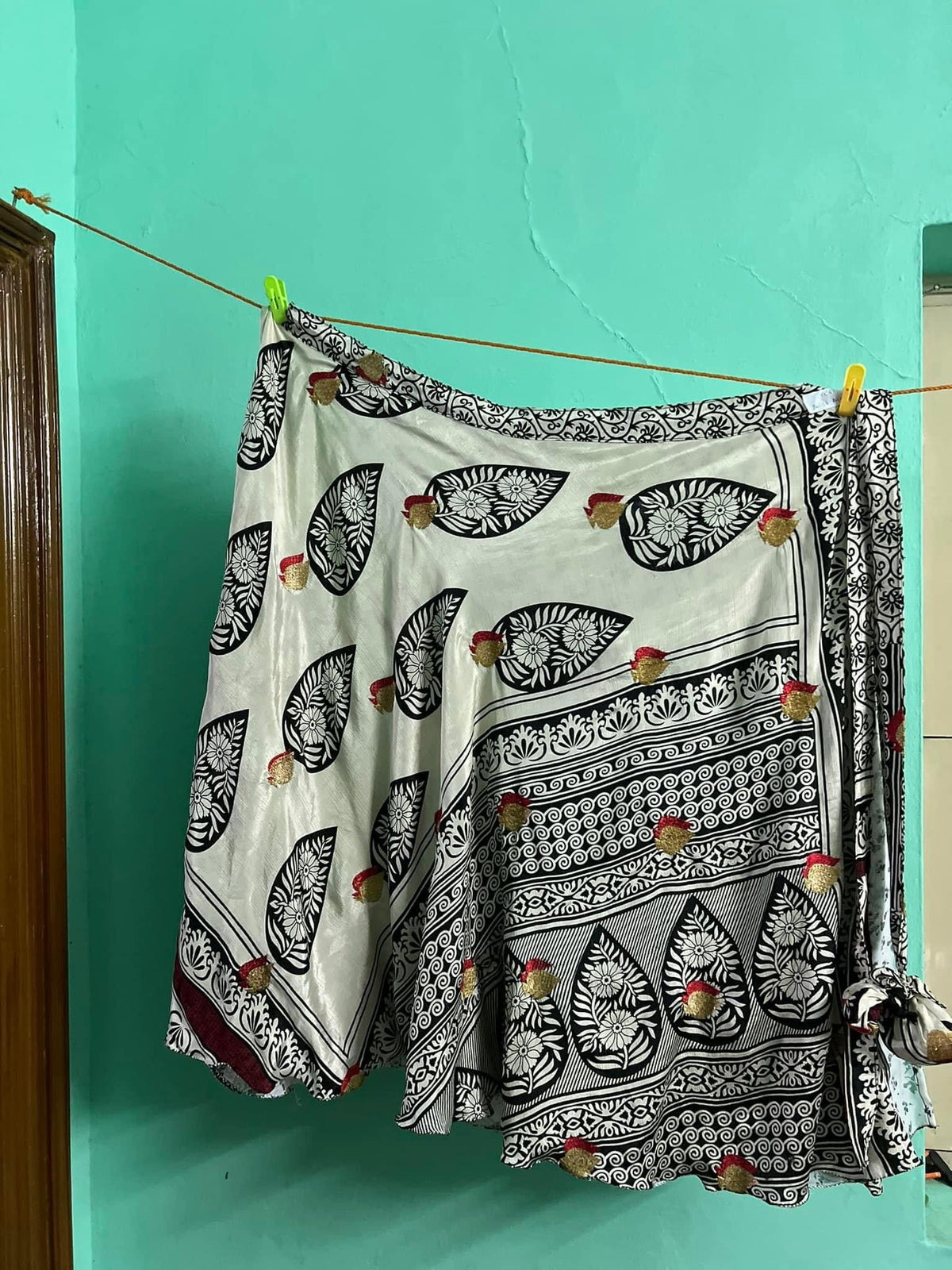 Whole saree( for crafting or decorative purposes only)-066