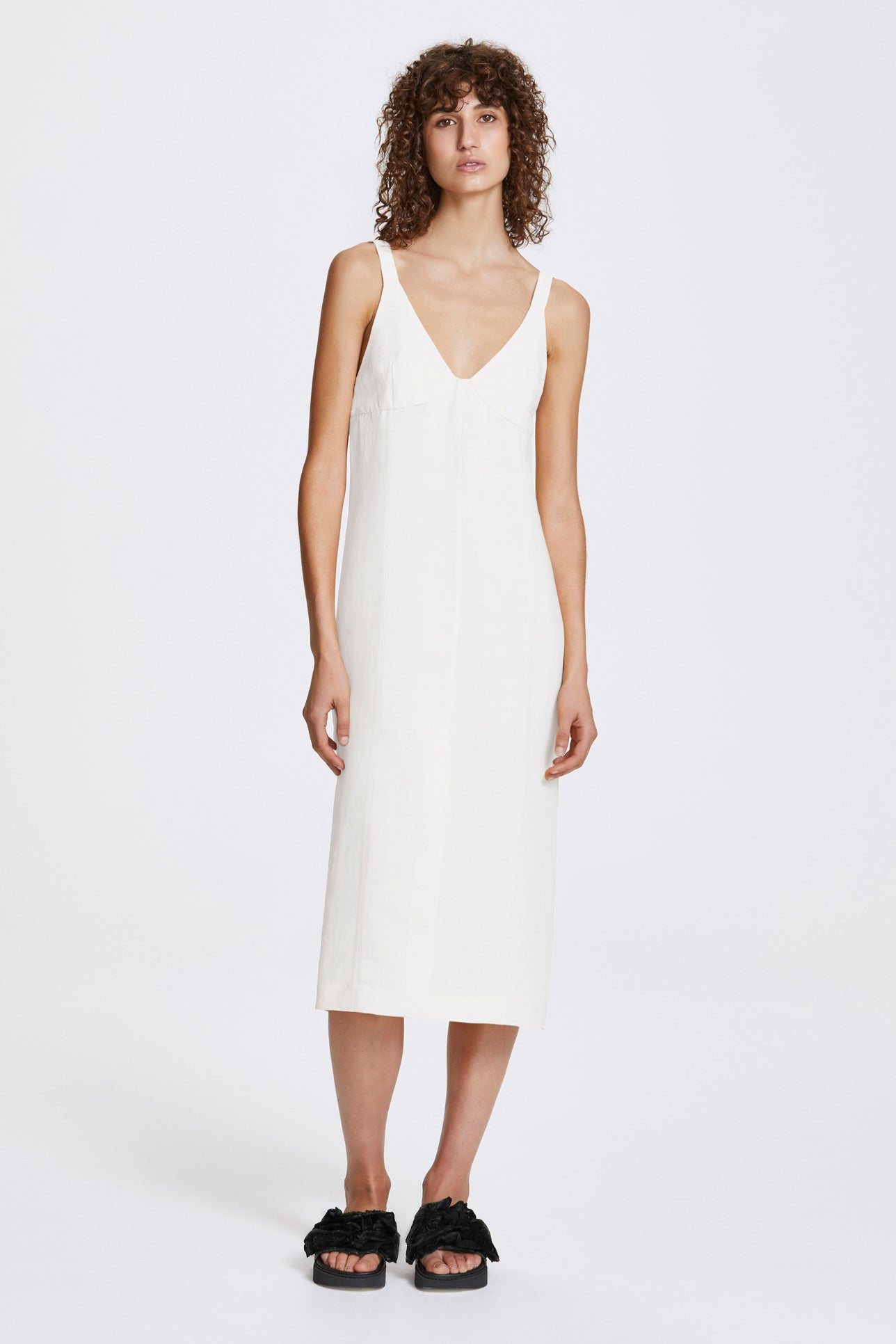 Double vent slip dress - Linen blend - White - Resortwear dress - Her Line
