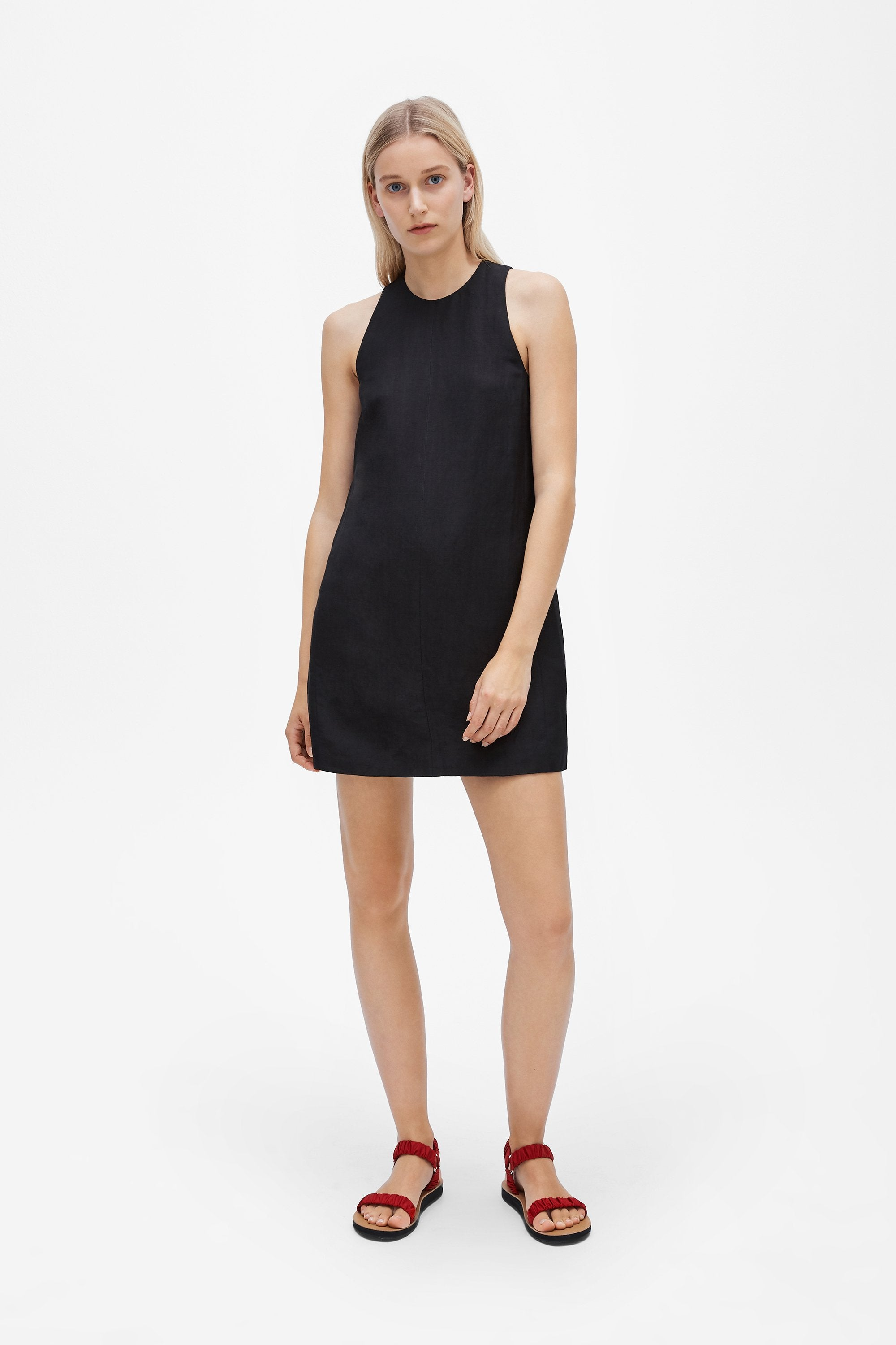 Crew neck mini dress - Linen blend - Black - Resortwear dress - Her Line