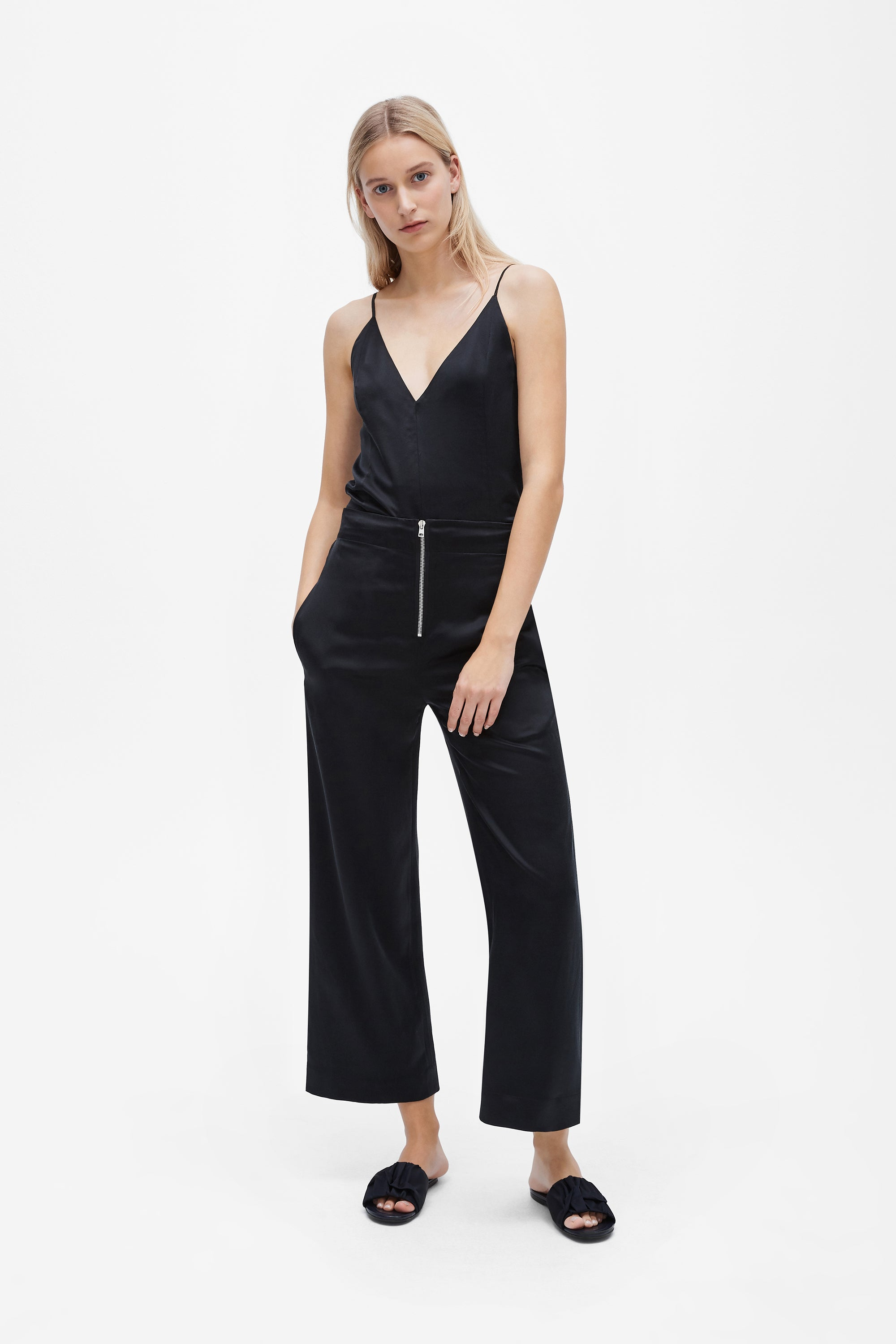Exposed wide-leg pant - Sandwashed silk satin - Black - Resortwear trouser - Her Line