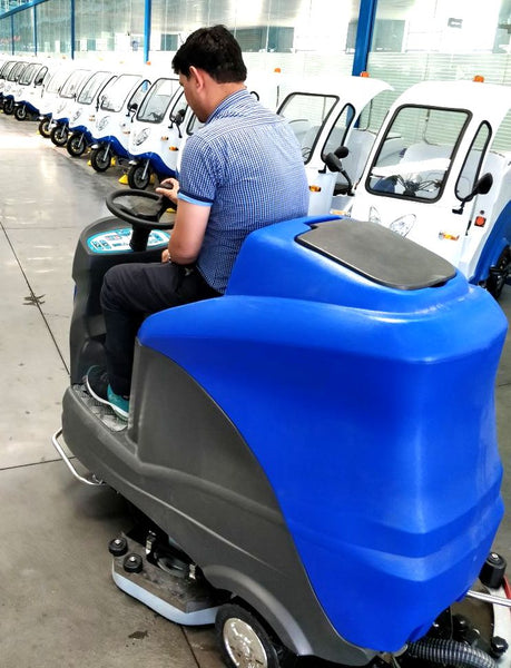 Ride on Floor Scrubber - Hire-it Technologies