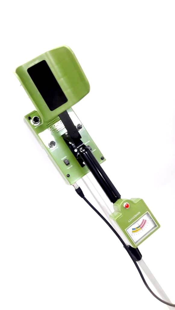 Sapper 3B - Underground Deep Search Metal Detector - Treasure Hunter - Range 3 to 4 Meter - Detects Gold, Silver ( Ferrous / Non- Ferrous ) Separately (Model: 404) - Hire-it Technologies