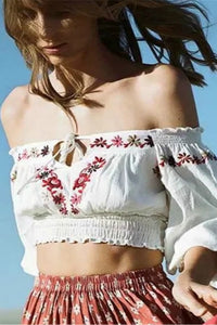 top crop con collo slash ricamato in stile bohémien - Lupsona