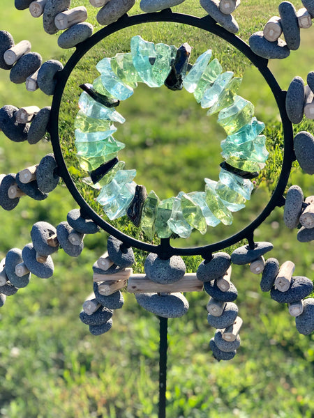 Sun Burst River Rock and Glass Garden Stand | 48-in