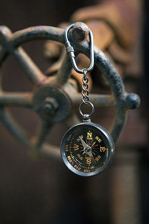 Vintage Antique Brass Key Chain Ring (Brass Compass) - Mellow Monkey