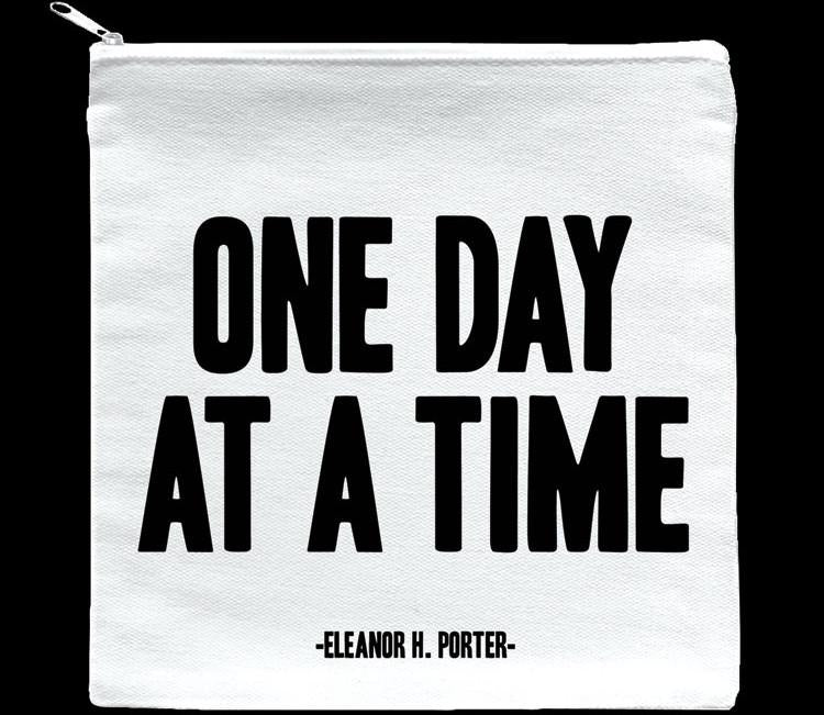 Quotable One Day At A Time Pouch 7-in