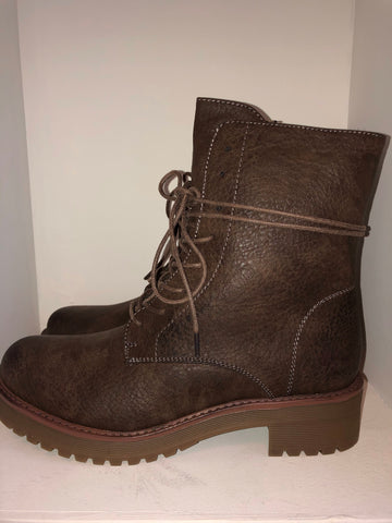 Dark Brown Lace up Boots