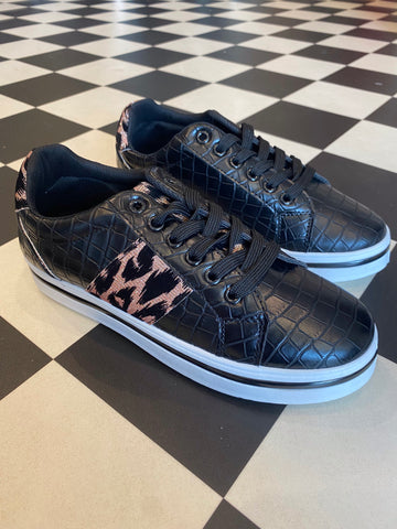 Black trainers with animal stripe