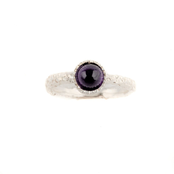 Dainty textured sterling silver ring with round amethyststone
