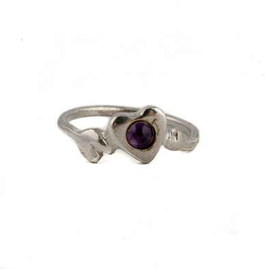 Dainty sterling silver heart ring with amethyststone