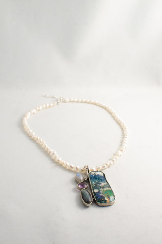 Roman Glass Beauty Necklace