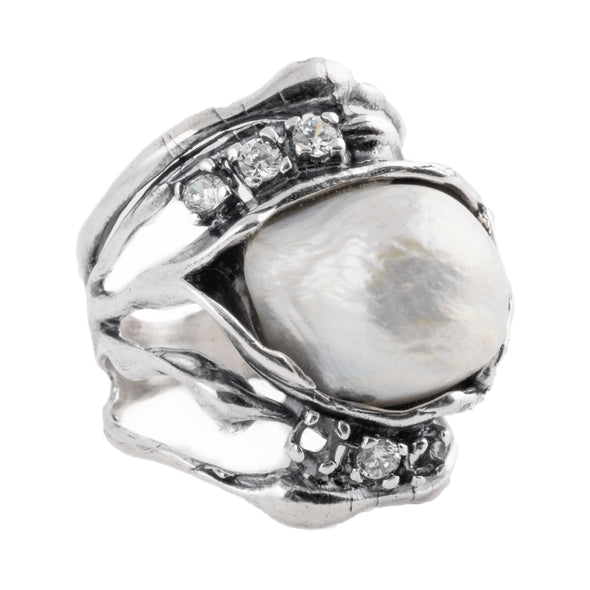 statementsterling silver ring with freshwater pearl and cubic zirconia