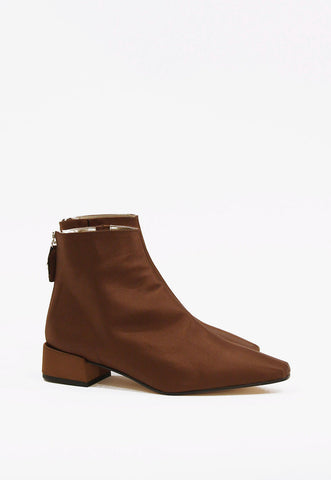 Low Ankle Boots in Natural Heel