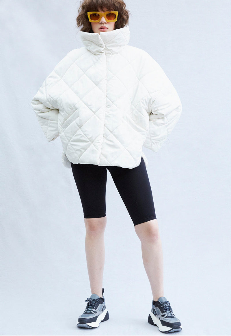 Moteuka Quilted Short Jacket White