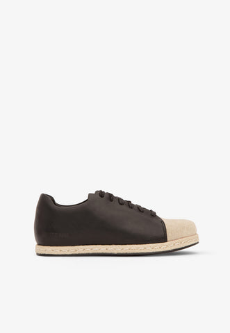 Dre Flat in Black