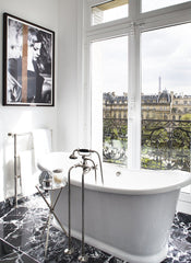 LIVING IN STYLE: PARIS