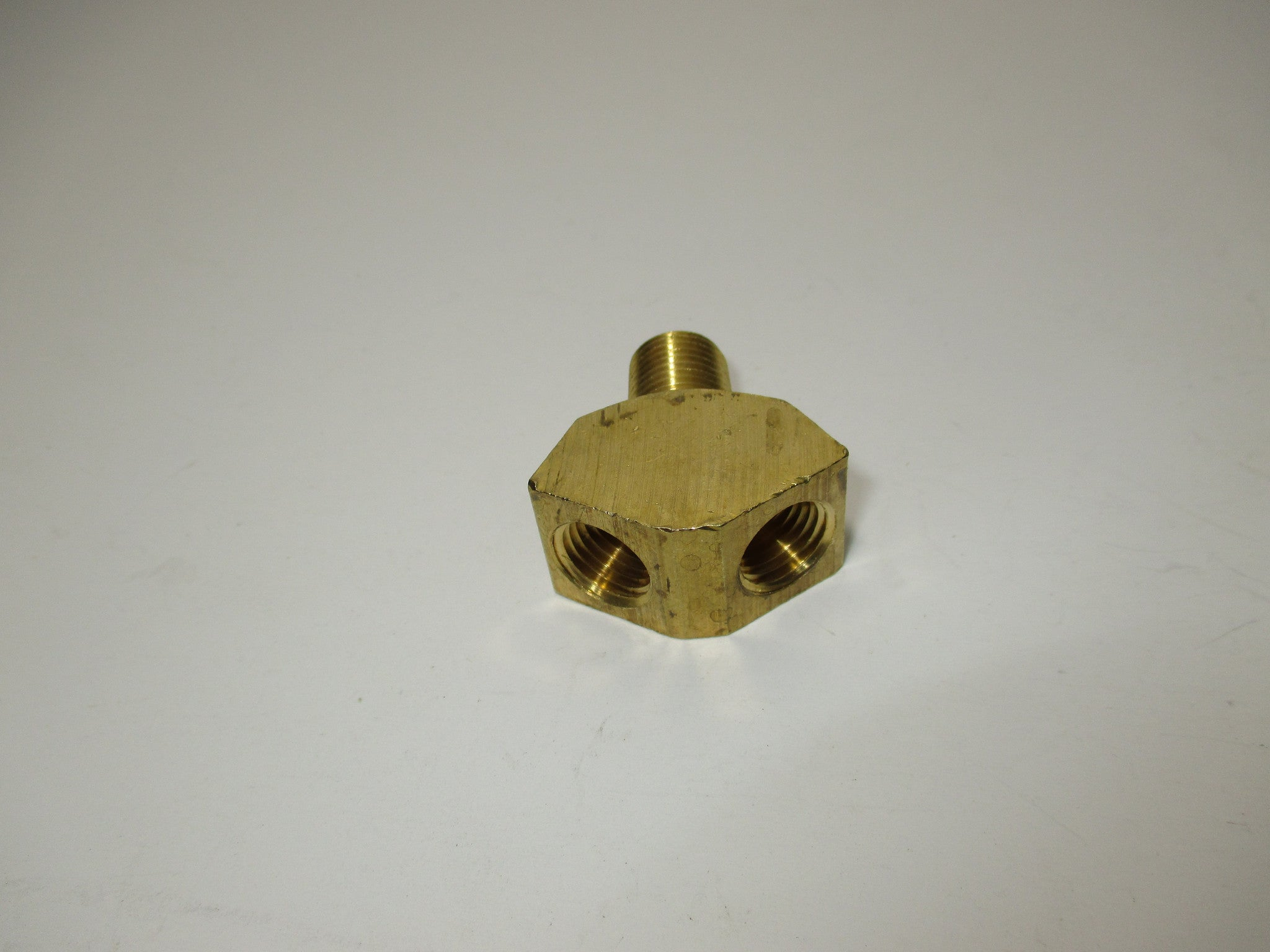 BRASS WYE FITTING, 1/4""
