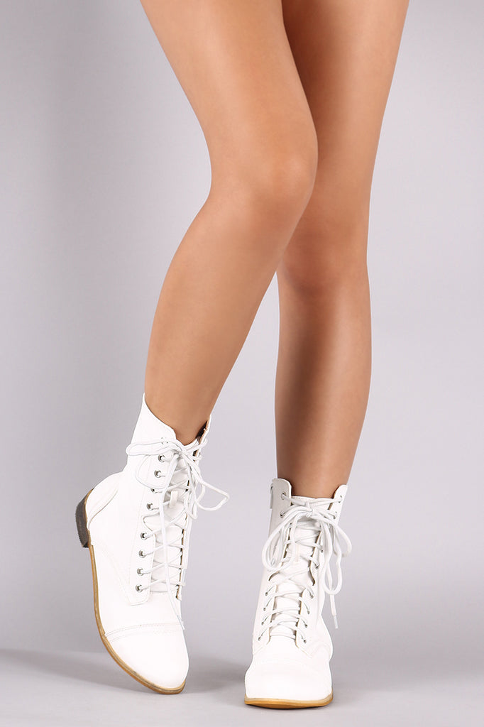 Crinkled Round Toe Combat Lace-Up Boots