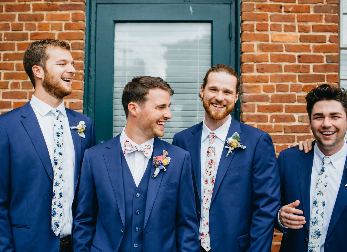 The Eight Best Groomsmen & Groomsmaid Gift Ideas