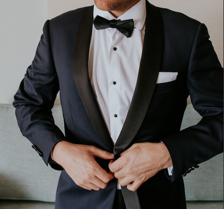 wedding planning checklist when to buy your wedding suit or tuxedo