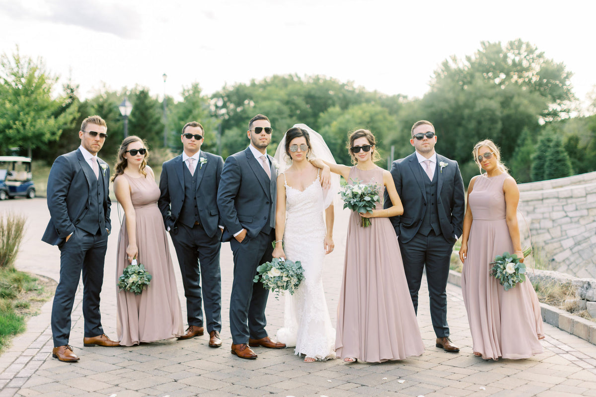 Can I Wear Sunglasses with My Wedding Day Look?