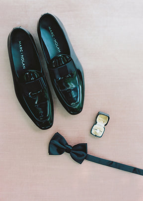 How to decide between a suit vs tuxedo for your wedding