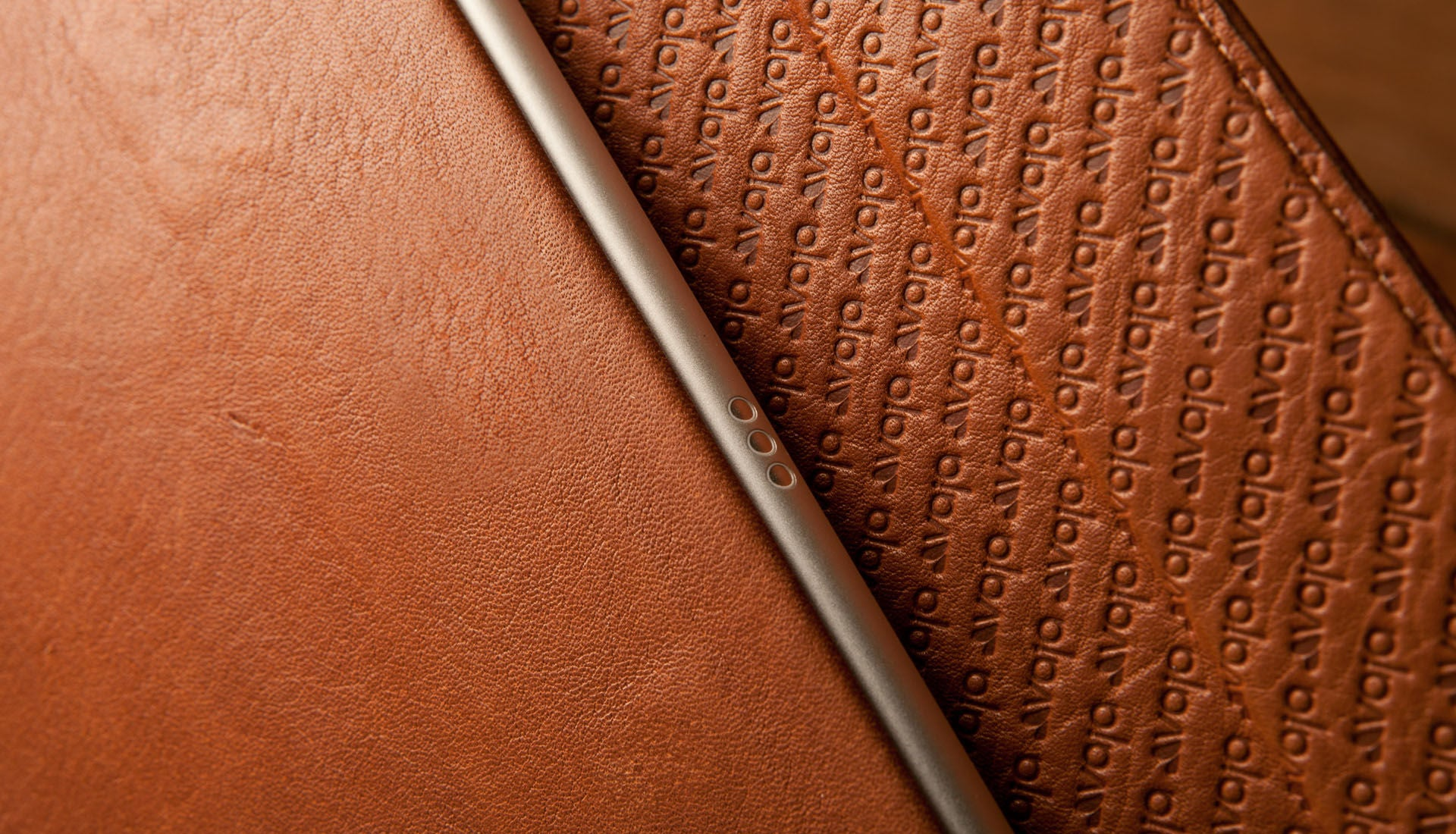 iPad Pro 9.7'' Libretto Detachable Leather Case