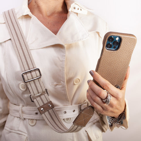 Crossbody iPhone 12 & 12 Pro leather case with magsafe