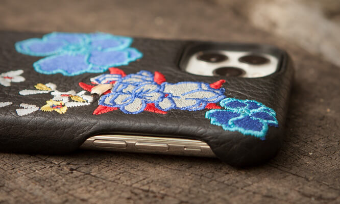 Kimono Grip iPhone 11 Pro Max leather case