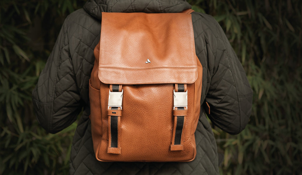 explorer vaja leather bag