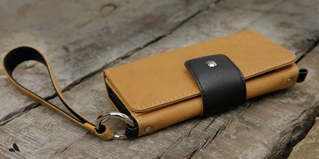 Lola Wristlet Leather wallet for iphone 7