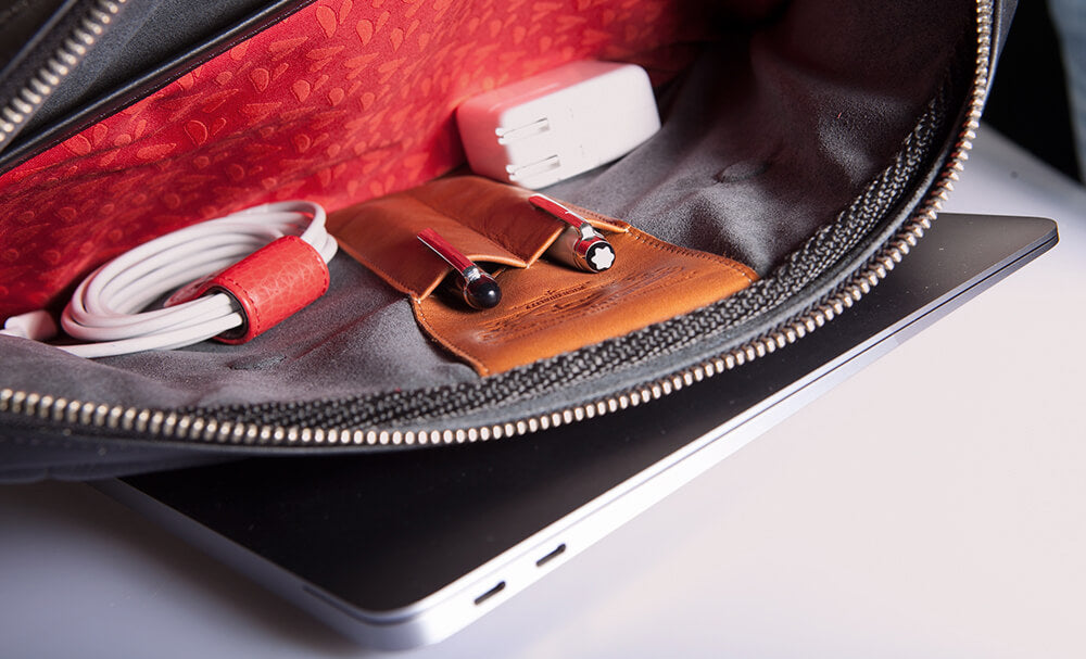 MacBook Air 13'' Zippered Leather Pouch