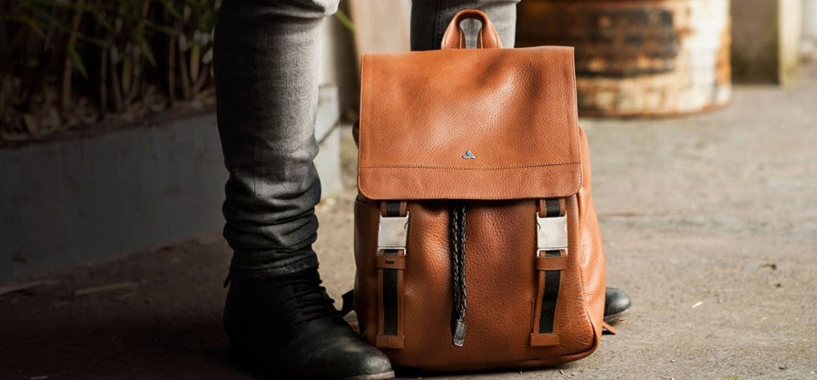 LEATHER BACKPACK-VINTAGE STYLE