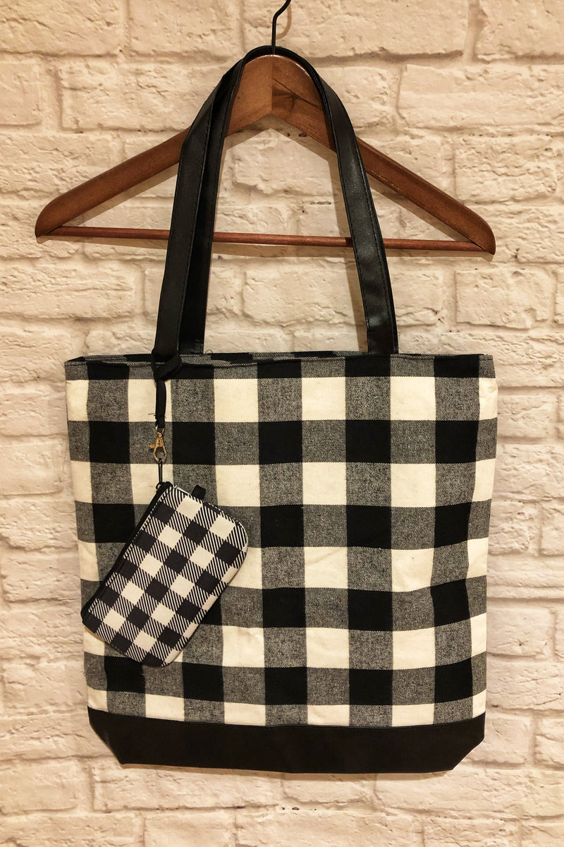 Buffalo Plaid Tote with Wristlet - White