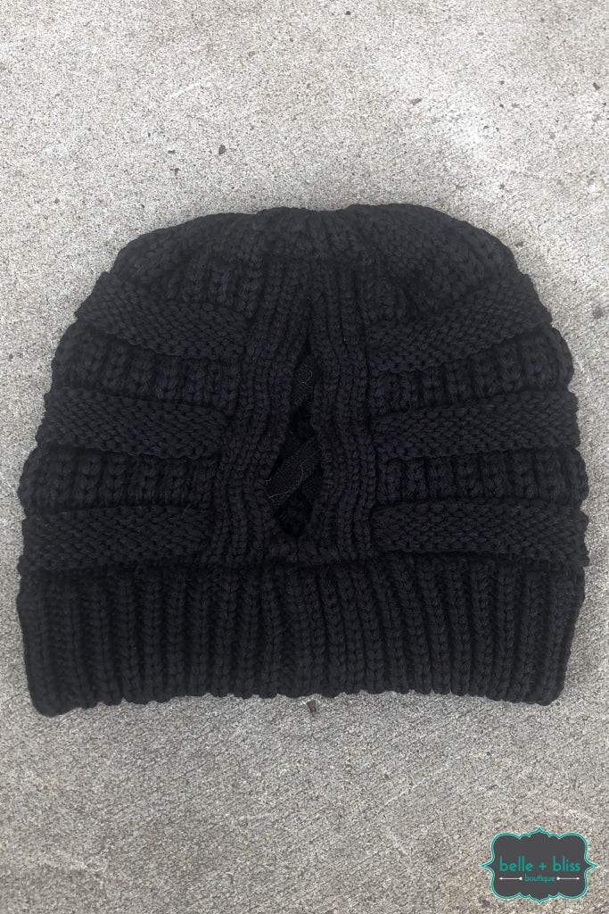 Criss Cross Pony Knit Toque - Black