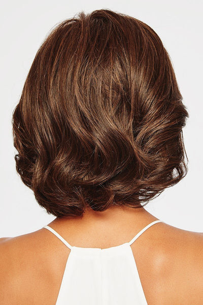Raquel_Welch_Wigs-Crowd_Pleaser_RL4-6-Back