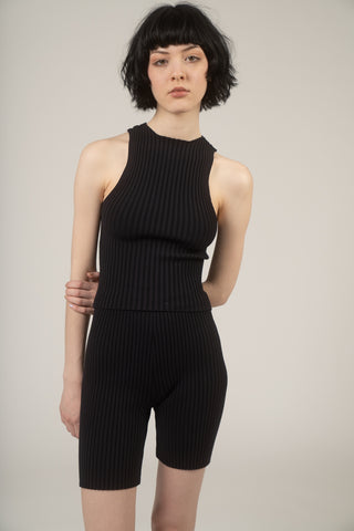Shrunken ribbed tank in black