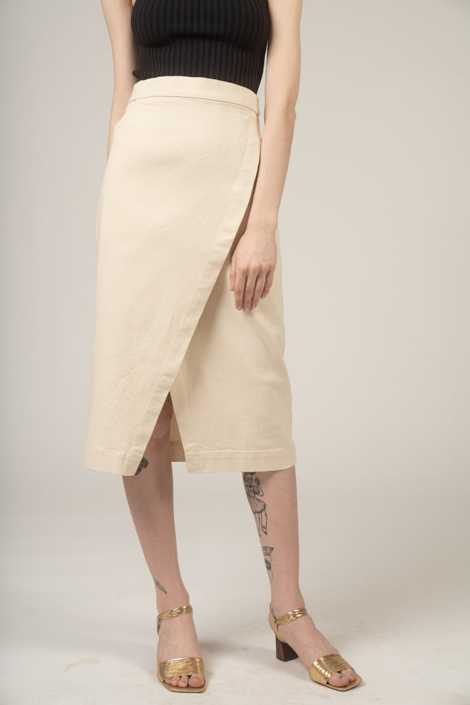 Wrap jean skirt in Cream