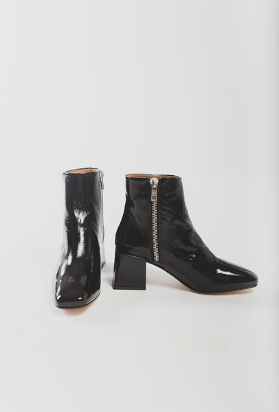 Lazaro boot in black crinkle patent