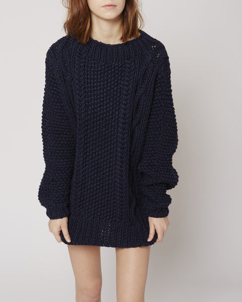 Cable jumper in navy