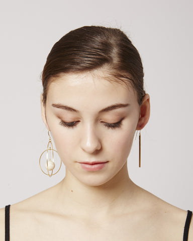 Brune earrings in white & gold