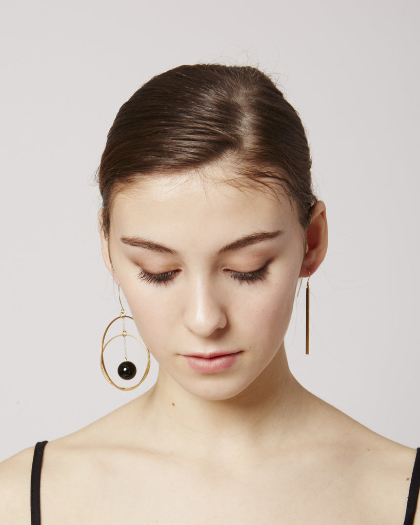 Brune earrings in black & gold