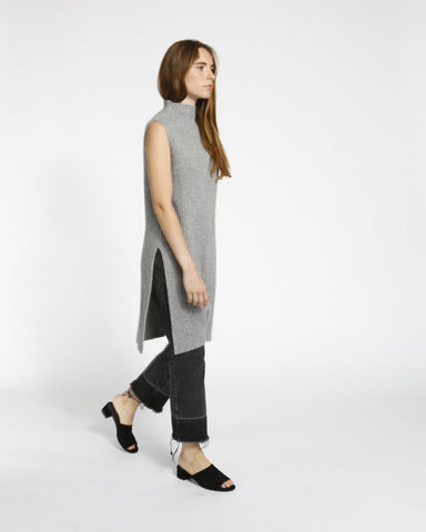 Sleeveless Ribbed Tunic in Grey - Founders & Followers - Achro - 4