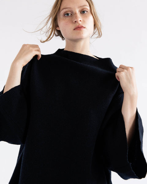 Loris sweater in charcoal