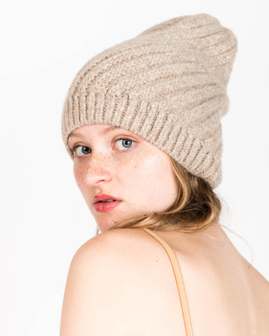Swirl alpaca hat in oatmeal