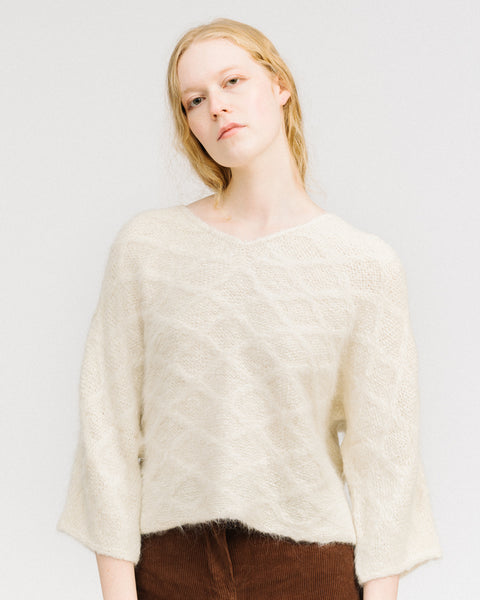 Quilted loose pullover in white